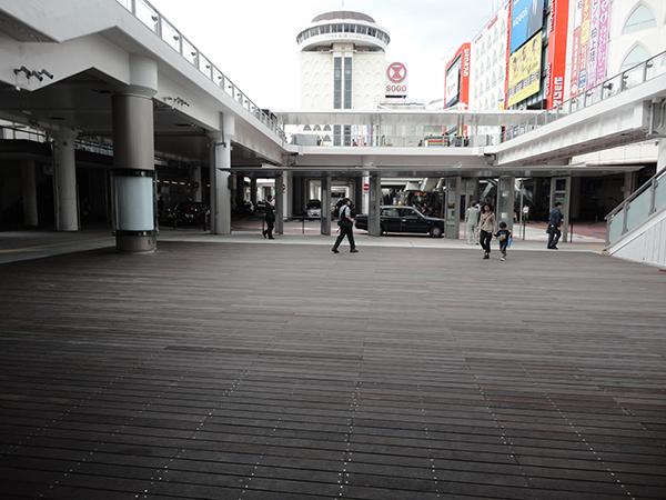 ファミリかしわ前広場